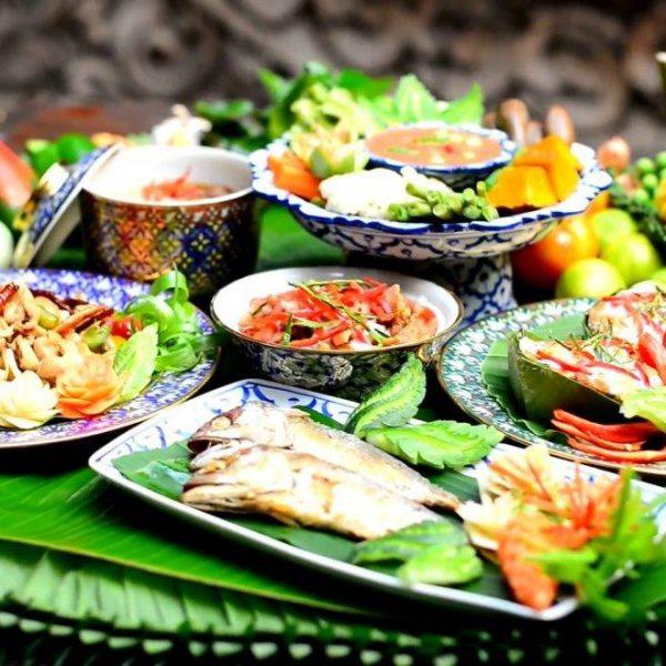 Restaurant thaïlandais entre célibataires à Lyon : Soirée